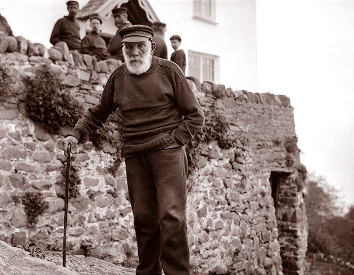Старейший житель английской деревни Кловелли ХХ век, винтаж, восстановленные фотографии, европа, кусочки истории, путешествия, старые снимки, фото