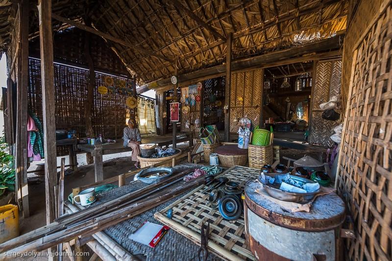 Как живут в зажиточной деревне в Бирме