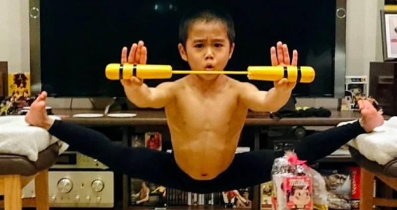Восьмилетний поклонник Брюсом Ли