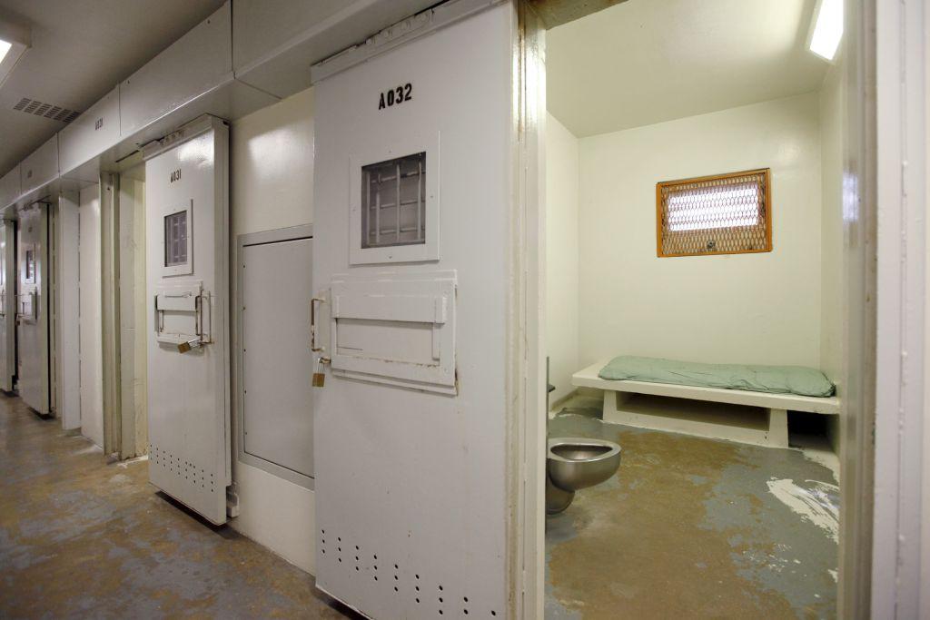 Тюрьмы. Новый бизнес Америки. О-о-очень прибыльный