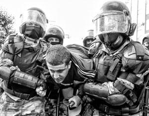 У рядовых полицейских (как и у рядовых военных) возможность делать какие-либо аналитические выводы должна отсутствовать полностью.