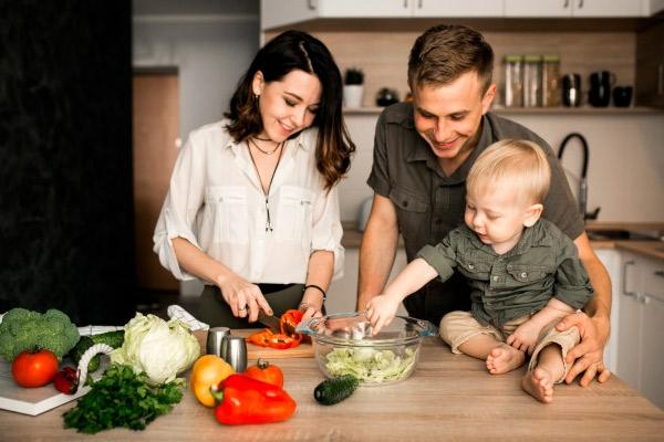 10 идей, как выработать у ребенка здоровые пищевые привычки