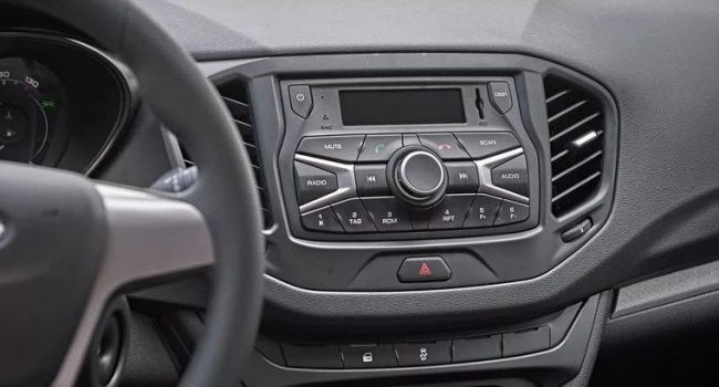 Аудиосистема без сенсорного экрана