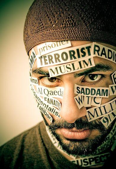 После террористической атаки на Париж мусульмане сталкиваются с резким ростом исламофобии в Европе