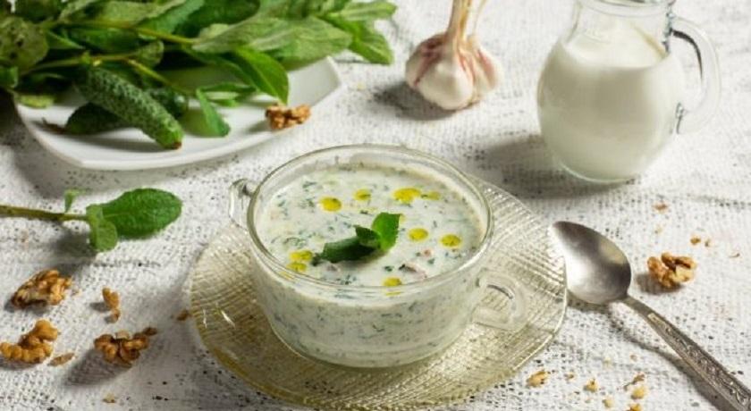 Болгарский таратор: вкусный холодный суп с грецкими орехами