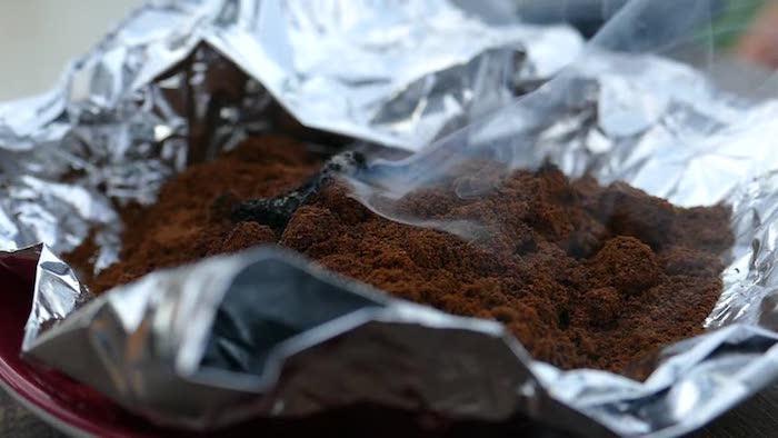 Тлеющий кофе в фольге.