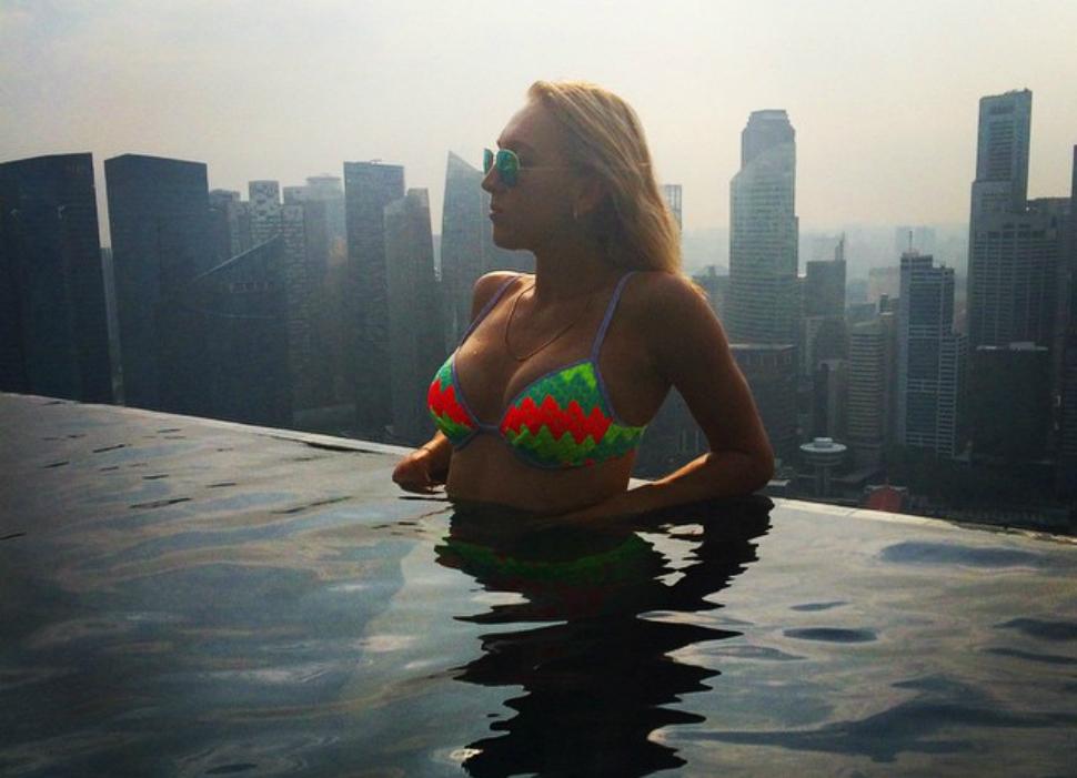 Спортсменка, комсомолка, красавица: Instagram самой сексуальной теннисистки России