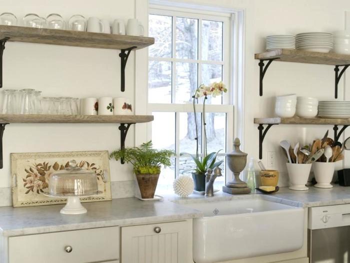Функциональный и стильный прием для оформления кухни любой площади. /Фото: ideastream.info