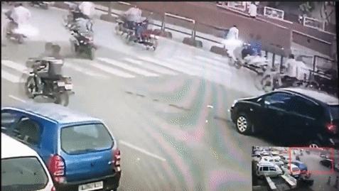 Когда начинать пропускать пешехода?