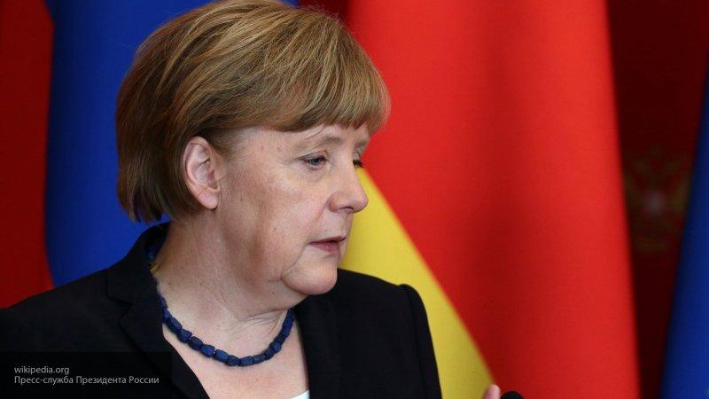 Меркель положительно оценила готовность ЛНА к соблюдению перемирия в Ливии