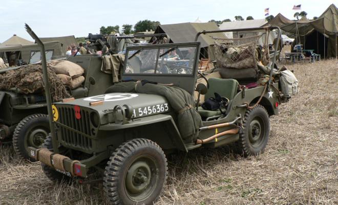 Солдаты Второй мировой привязывали к джипам стальную балку: ей искали невидимые ловушки