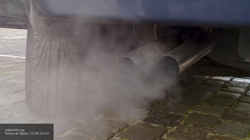 Пять минут идеальное время—эксперт объяснил, чем опасен долгий прогрев двигателя