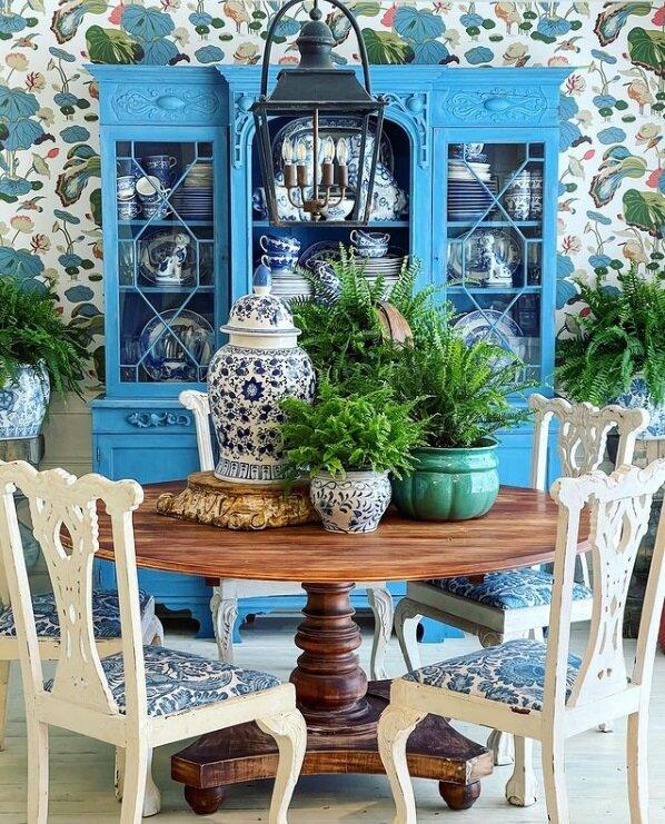 Яркий интерьер дома художницы: потрясающее сочетание несочетаемого