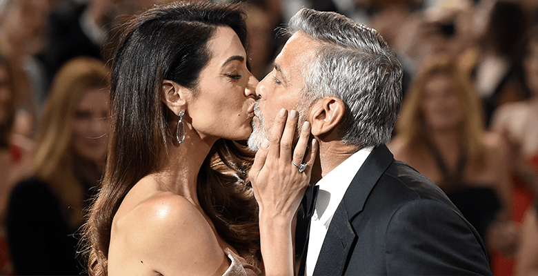 Амаль Клуни поцеловала супру…