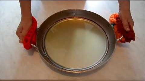 Что делать, если пригорает алюминиевая сковородка. Способ 2