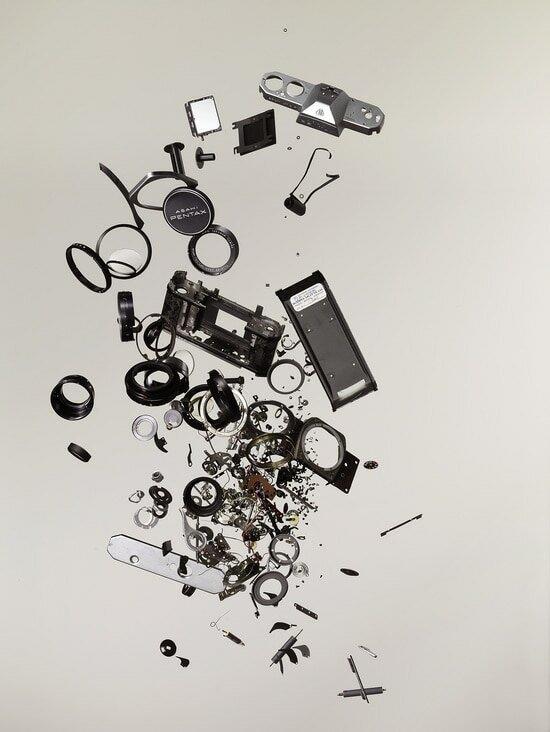 До винтика: художник показал, из чего состоят привычные нам вещи вещи