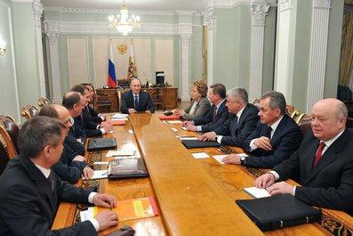 Владимир Путин провёл оперативное совещание с постоянными членами Совета Безопасности.