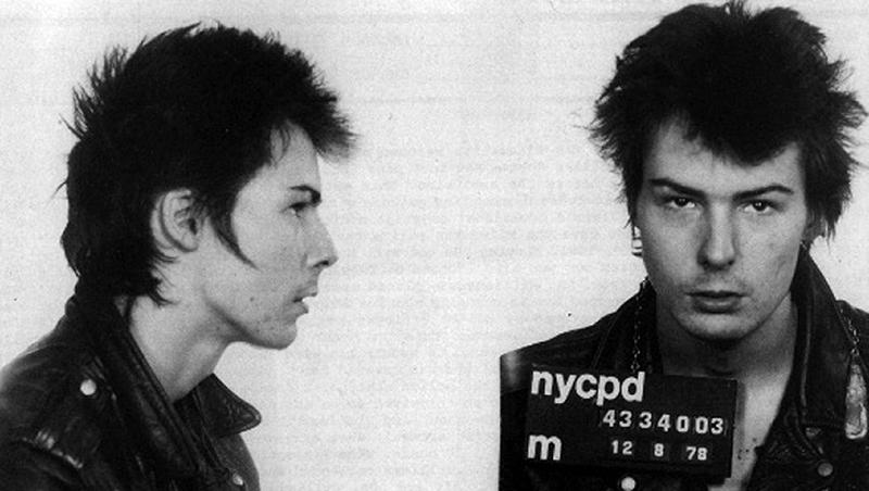 Из музыкального мира в криминальный: 16 знаменитых музыкантов, ставших преступниками