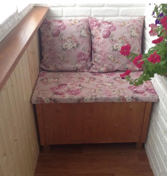 Компактная и уютная лоджия