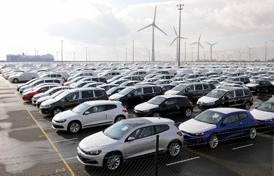 Volkswagen прогнозирует снижение российского авторынка в 2014 г. на 17-18% до 2,1 млн штук