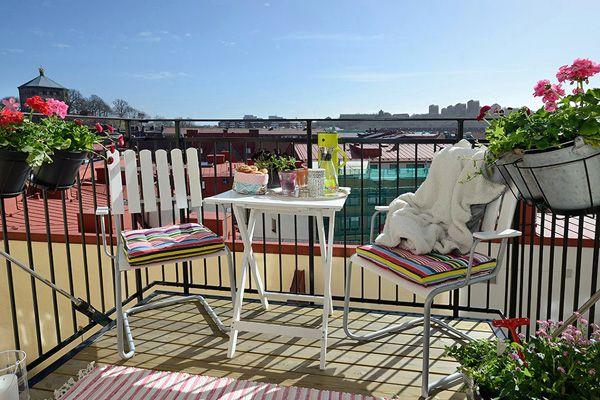 открытый балкон в скандинавском стиле