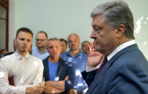 Порошенко предлагает Меркель украинскую ржавую трубу в обмен на остановку «Северного потока»