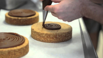 Темперирование шоколада: как получить блестящий и твердый продукт