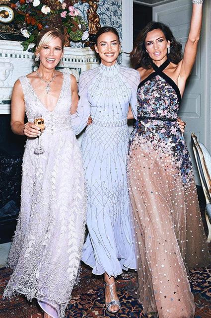 Ирина Шейк в роскошном вечернем платье на торжестве в Букингемском дворце звездный стиль, ирина шейк