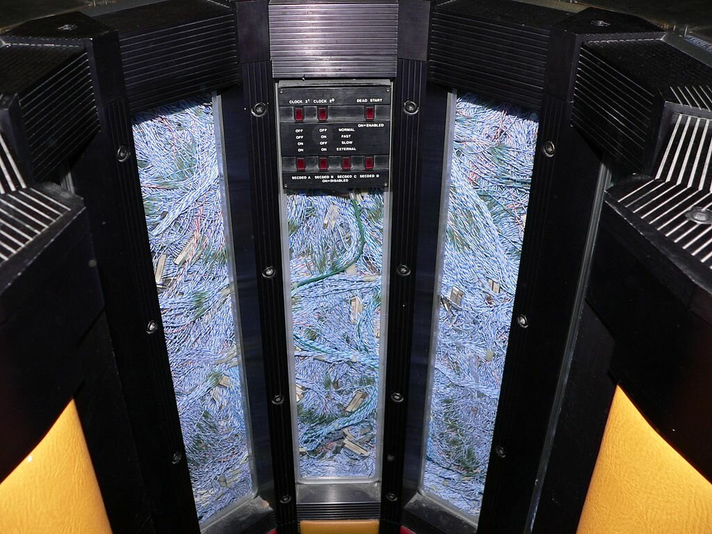 Внутренности Cray-2. Источник изображения: wikimedia.org