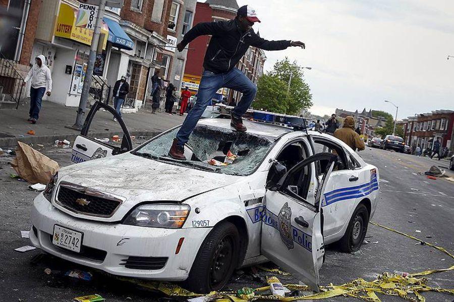 В Балтиморе начались погромы, как в Фергюсоне