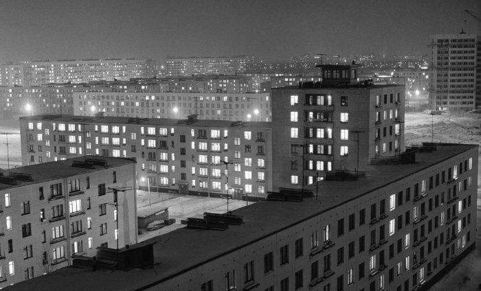 От бараков до «брежневок»: Как решали пресловутый квартирный вопрос в СССР.