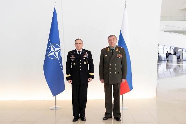 Герасимов указал вБаку наусиление присутствия НАТО уграниц России