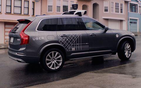 Автомобиль-беспилотник Uber насмерть сбил женщину