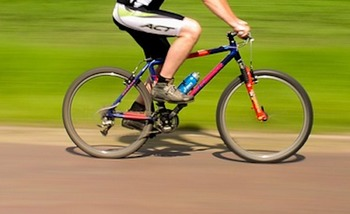 Болельщик из Португалии на велосипеде приехал на ЧМ-2018 в Москву
