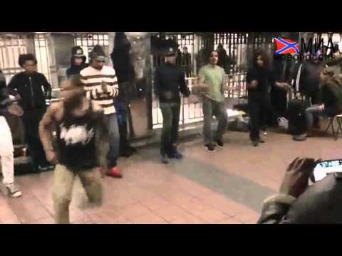 В Нью-Йорке танцуют брейк под советские песни