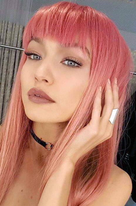 Тренды весны: 11 звездных примеров, как окрасить волосы в розовый