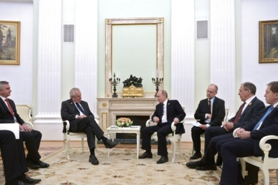 Путин посоветовал Лаврову и Земану бросить курить