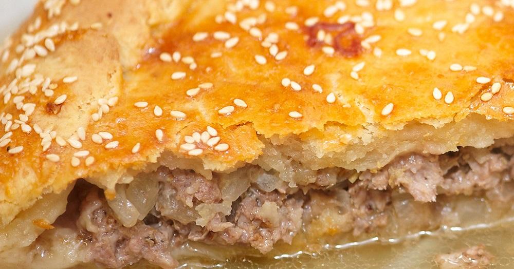 Традиционное блюдо крымских татар: аппетитный мясной пирог «Кубэтэ»