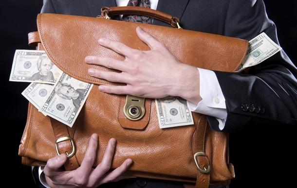 Нефтедоллары покинули Россию: Сырьевые корпорации начали прятать валюту на Западе