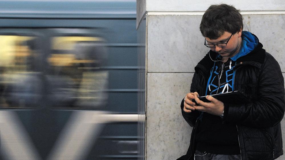 ФАС запретила навязчивую рекламу по Wi-Fi в московском метро