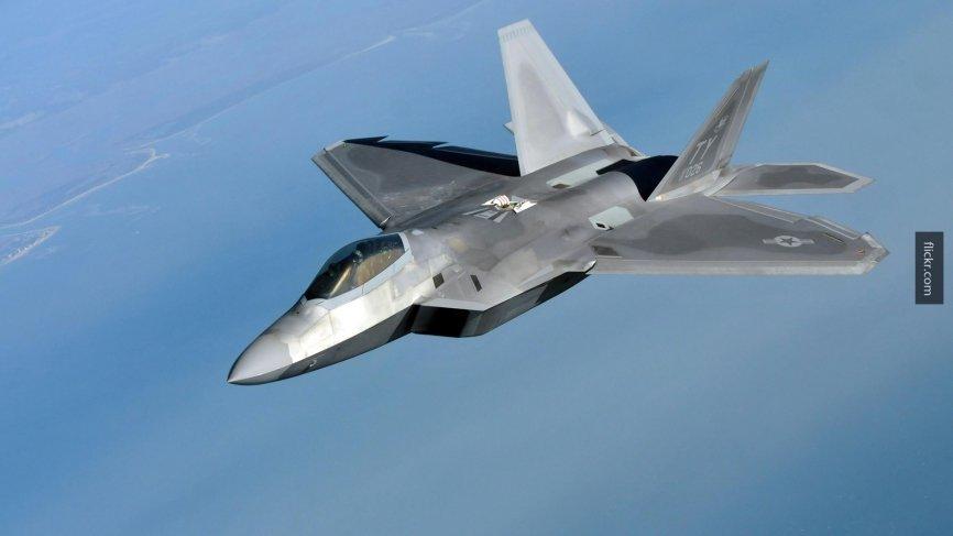 США могут использовать истребители F-22 из-за ЗРК С-300 в Сирии