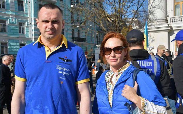 Из «героев» в отморозки — Зеленский начал бороться с украинскими нацистами?