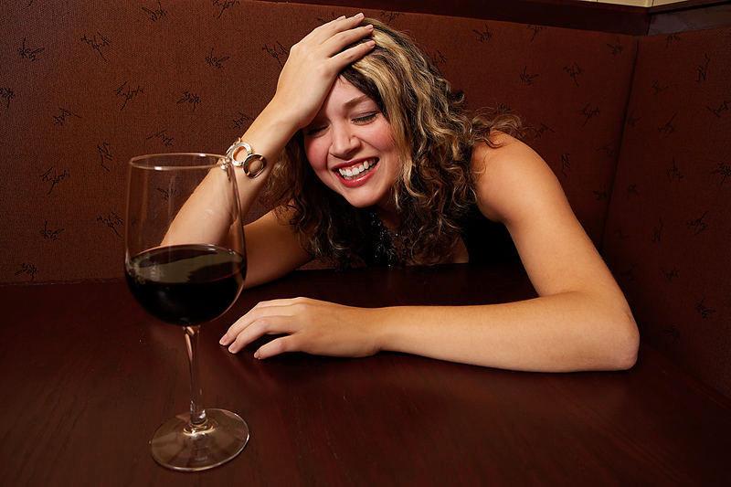 когда девушка выпьет огромное количество порно