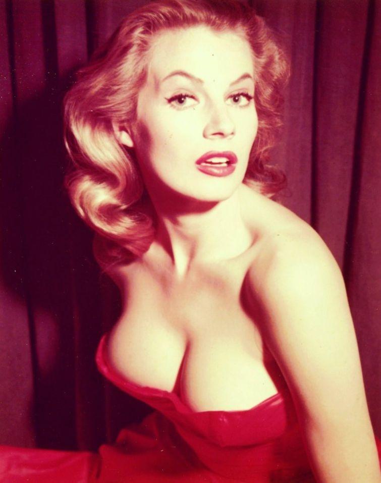Анита Экберг, 1950-е история, картинки, фото