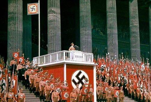 Почему Гитлер стал канцлером…