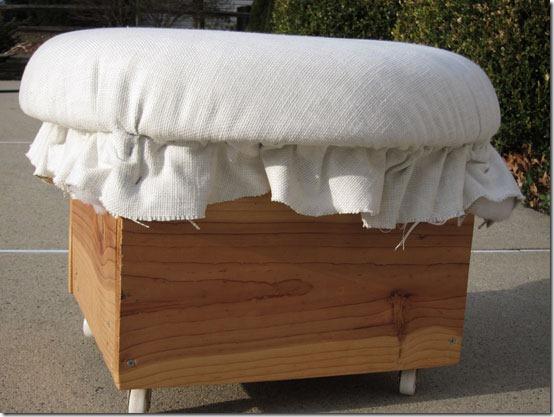 Как из простого деревянного ящика сделать симпатичный пуфик: мастер-класс домашний очаг