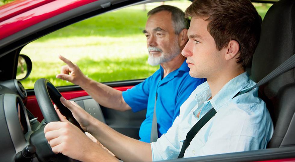 Россияне больше не сядут за руль в 16 лет