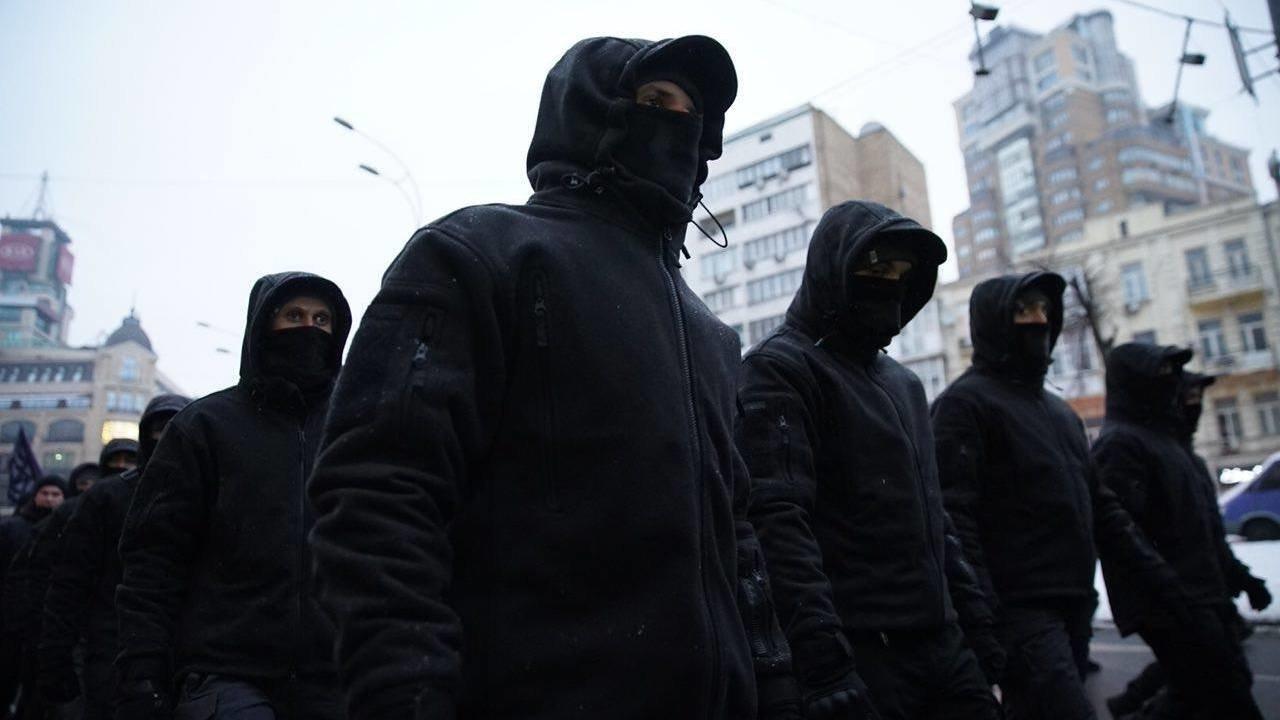Украинские неонацисты захватили Институт сердца в Киеве