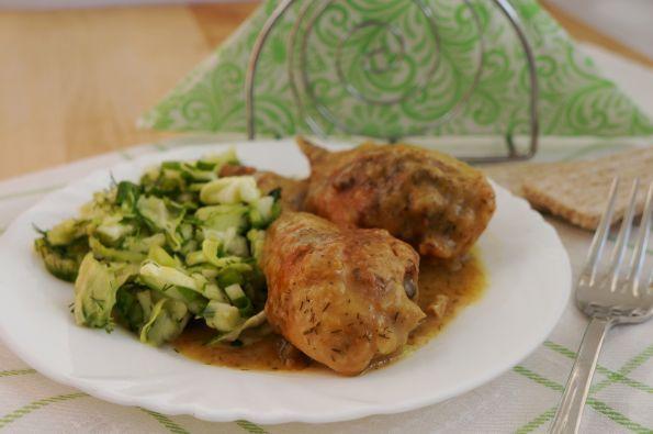 Куриные голени в луковом соусе