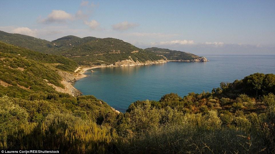 Гора Афон в Греции – место, куда не ступает нога женщины